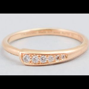 Hermes - 18k gold womens gold with diamonds ring.